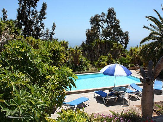 bungalow mit terrasse meerblick pool. Black Bedroom Furniture Sets. Home Design Ideas