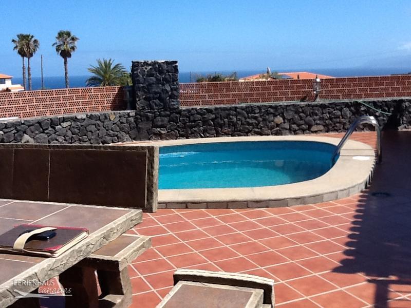 Sch nes ferienhaus mit mehreren terrassen grill privatpool whirlpool - Terrassen whirlpool ...