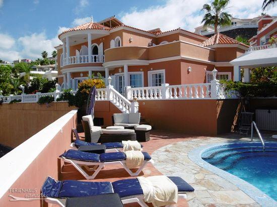 Villa mit Panoramablick mit beheizb. Privatpool, Whirlpool ♥ Garten ...