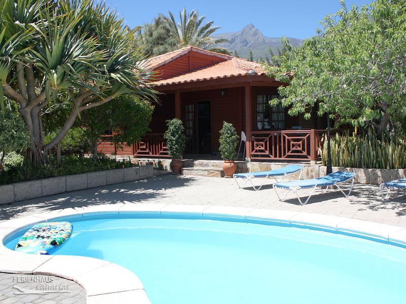 Ferienhaus mit pool auf romantischer finca for Von privat haus mieten
